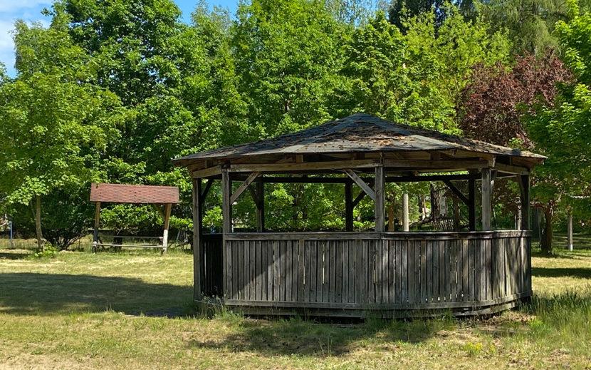 Pavillon – schützt vor Sonne und Regen