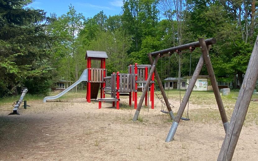 Moderner Outdoor Spielplatz